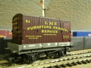 Hornby 00 Gauge LMS Container Wagon