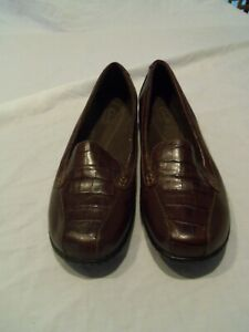 Clarks Bayou Q Loafers Slip On Casual Shoes Croc Skin Leather Brown Women's 9 W