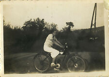 PHOTO ANCIENNE - VINTAGE SNAPSHOT - FEMME MOTO MOTOCYCLETTE - WOMAN MOTORBIKE