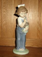 """Nao by Lladro Figurine 02001069 """" Hush """" Excellent Condition Boxed"""