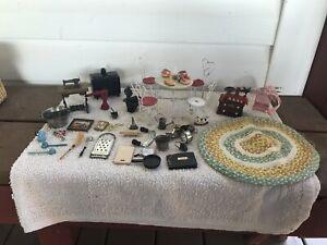 VTG Miniature dollhouse lot -cafe table w/chairs, handmade area rug