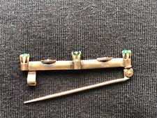 Brosche Anstecknadel 2 Smaragde 1 Glasstein 2 Diamanten Länge 3,5 cm