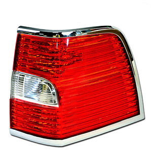 OEM NEW 2007-2014 Lincoln Navigator RIGHT Rear Outer Tail Lamp - Passenger's