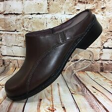 Women's CLARKS Size 8 Brown Leather Slip On Shoe Clogs Slides Mules Loafers EUC