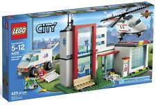 Lego City 4429 Helicopter Rescue Hospital Great to add to Town Set BRAND NEW