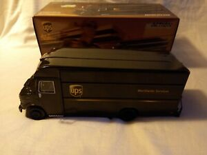 Action 1/32 Scale UPS Van Employee Exclusive Mint Boxed