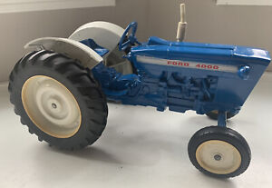 """Vintage Ford 4000 Tractor by Ertl 1/12 Scale 10 1/2"""" long Nice shape!"""
