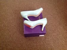 Steve Madden court shoes mint size 8