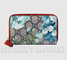 6796762a0fe0e GUCCI blue BLOOMS GG Supreme Canvas   red Leather POUCH Case wallet NIB  Authent