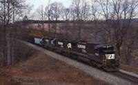 NORFOLK SOUTHERN Railroad Locomotive NS 8638 MEADOR VA Original 1991 Photo Slide