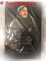 Hot Toys MMS 457 Star Wars The Last Jedi Luke Skywalker Mark Hamill (Normal Ver)