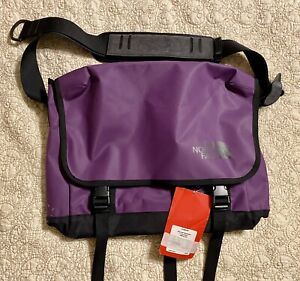 The North Face Base Camp Messenger Bag Power Purple