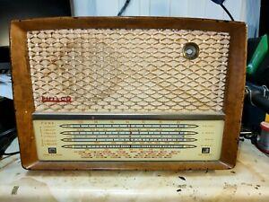 Vintage Philco Radio - Model A.3658 - Ideal restoration project -