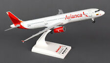 Avianca Airbus A321-200 1:200 SkyMarks SKR801 A321 Modell SKR801A mit Fahrwerk
