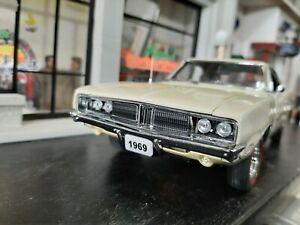 Danbury Mint 69 Dodge Charger R/T  1.24
