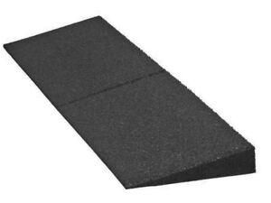 Bordsteinrampe Gummi Rampe | Höhe: 3-11cm | 100 x 25 cm | Auffahrhilfe für Auto