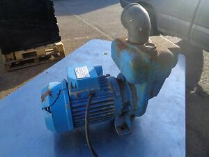 Self priming water pump 240V Clarke pump CPE20S 2HP VH21P77A
