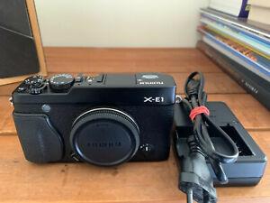Fujifilm X-E1 avec batterie et chargeur - Excellent état