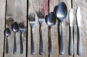 Vintage ONEIDA cutlery VILLAGE COMMON pattern - various pieces stainless steel