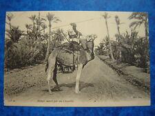 Méhari monté par un Chambba.