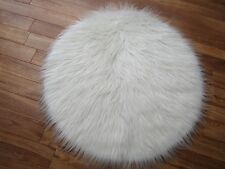 WHITE CIRCLE ROUND FAUX FUR RUG 70CMS DIAM (27 INCHES DIAM)