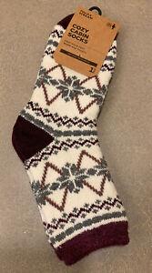 NWT Field & Stream Women's Cozy Cabin Socks Aloe Infused One Size (5-10)