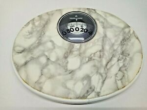 Vintage HEALTH O METER BATHROOM SCALE 300 pounds Model # 72 WHITE WORKS