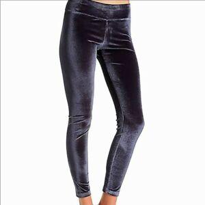 Nwt Hue 1X 16W-18W Wide Waistband Velvet Leggings in Slate Blue