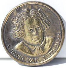 MEDAILLE EN METAL - LUDWIG VAN BEETHOVEN (1770-1827) - D. 4 cm