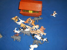 Vintage Noah's Ark & 26 Animals - Made in Hong Kong