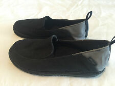 REEF BLACK SLIP-ON CANVAS SHOES Size 2/3