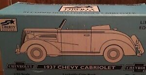 Liberty Classic 10026S 1:25 Shell Oil Santa 1937 Chevy Cabriolet