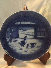 1969 Royal Copenhagen Christmas Plate In The Old Farmyard Kai Lange