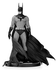 Batman Black and White Statue by Michael Turner Lmtd Edition NEW