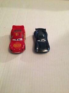DISNEY PIXAR CARS 3 SLOT RACING S 1:43 SCALE MCQUEEN VS JACKSON STORM