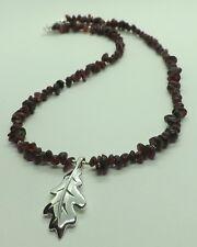 Plata De Ley Granate Oak Leaf Colgante Collar Collar De Chips De Piedras Preciosas Granate