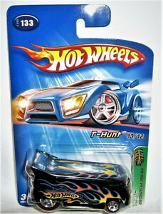 Hot Wheels 2005 Treasure Hunt Customized VW Drag Bus Red Line New in Car Keeper
