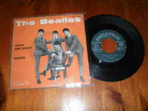THE BEATLES - Twist and shout / Misery - Disco 45 giri - PARLOPHON - 2-1-1964 -