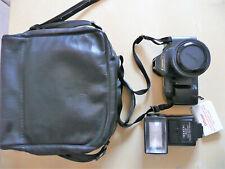 Canon T70 Spiegelreflexkamera-Set 50mm, Soligor 30DA-Blitz und Tasche