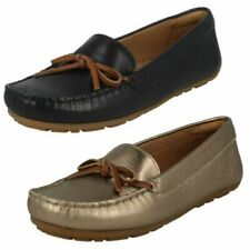 Ladies Clarks Moccasin Style Shoes. Dameo Swing