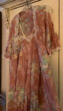 Vintage Early 1970'S Nude Floral Nightgown And Peignoir Set W/Beige Lace Trim