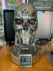 T2 Terminator 2 Endoskull Endoskeleton prop Hollywood Collector's Gallery 2001