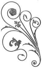 Volutes décoration garde corps fer forgé fleurs et feuilles