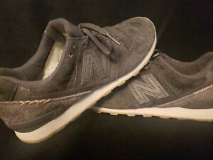 New Balance 696 Suede Women's Size 9