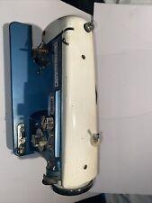 Vintage Universal Zig Zag Deluxe Metal Sewing Machine Model 111