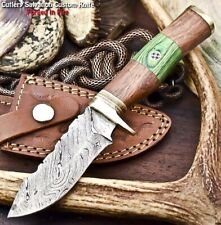 Handmade Damascus Steel Blade Hunting Knife   Walnut Wood