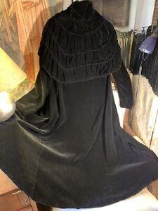 30's Cape Collared Silk Velvet Long Black Coat. 38bustx51lgth