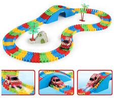 Niños Niños Diversión Coche Flexible variable Track Set 154 piezas Conjunto de juego de carreras LED