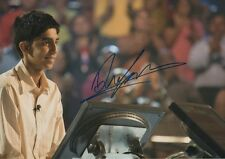 "Dev Patel ""Slumdog Millionaire"" Autogramm signed 20x30 cm Bild"