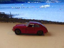 Corgi Toys 327 MGB GT (1)